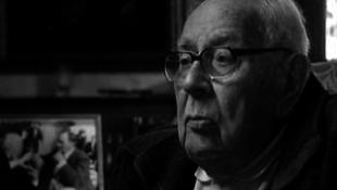 Meghalt Gilbert Taylor