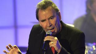 Elhunyt a világhírű énekes