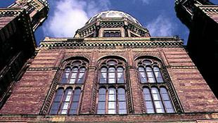 Elnémított hangok a berlini Új zsinagógában