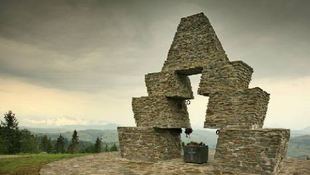 A magyar kormány elajándékozta a honfoglalási emlékművet