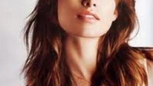 Sok Affleck-gyereket akar a szexi színésznő