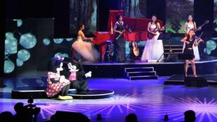 ''Mikiegérnyi'' amerikanizmus észak-koreai showműsorban