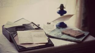 Íróasztalokról