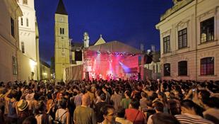 Ismét Veszprémbe költözik az utcazene