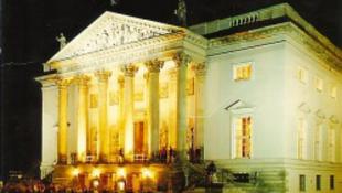 Wagnerhez építik át az operaházat