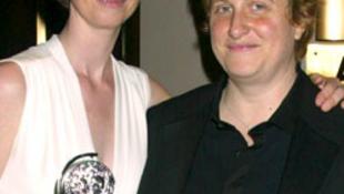 Leszbikus sztáreljegyzés hollywoodi tapsviharban