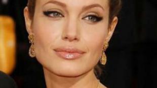 Velencében romantikázik a szépséges színésznő - és nem a férjével