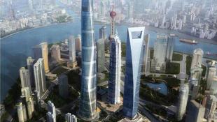 Megmászta Sanghaj legmagasabb épületét két fotós