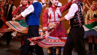 Megtáncoltatták az oroszokat a magyar párok