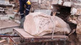 Többezer éves szoborra bukkantak a régészek