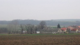Emlékmű a háborús pokol magyar falujában