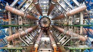 Elhalasztották a nagy hadronütköztető újraindítását