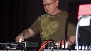 Újból a Városligetben DJ-zik Andy Fletcher