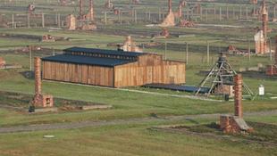 Visszakerült a lengyelekhez egy barakk