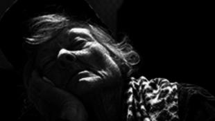 Hagyd aludni a nagymamát!