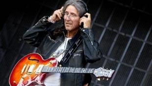 Lépj fel az Arénában – csak gitározni kell!