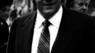 Meghalt Allen Klein