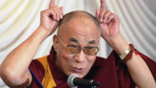 A dalai láma kijelentette, akár nőben is reinkarnálódhat