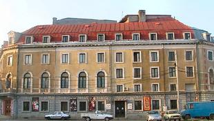 Szabadtéri előadás a bukaresti zsidó színházért