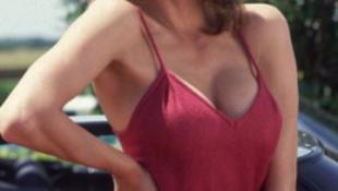A szexi sorozatsztár fegyvert fogott a takarítónőjére