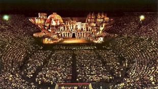 Vita az olasz operában - mikrofonnal vagy anélkül?