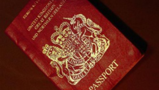 Már a melegeknek is lehet saját útlevele