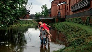 Meglepő helyszíneken a fiatal lengyel művésznő