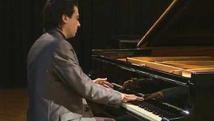 Jótékonysági koncertet ad a 23 éves ígéret