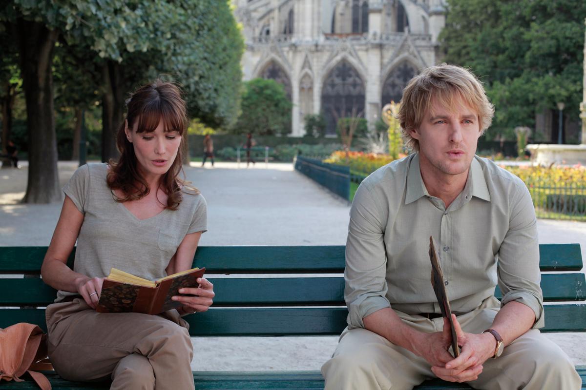 Jelenet az Éjfélkor Párizsban c. filmből