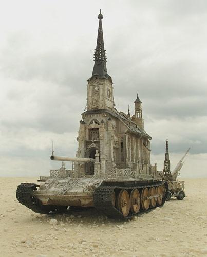 Kris Kuksi: Churchtank Type 8  2010
