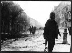 Úgy nyugati a puska, mint ahogy ellenforradalom '56.