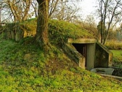 A védvonal egyik része a felújítás előtt.