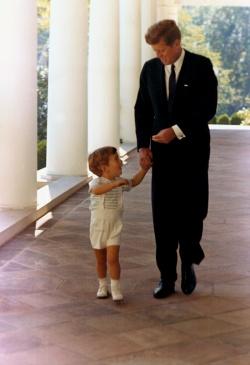 Kennedy és John-John