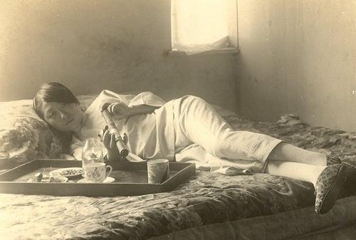 Bódult nő Sanghajban, 1920-as évek (fotó: Opium Museum)