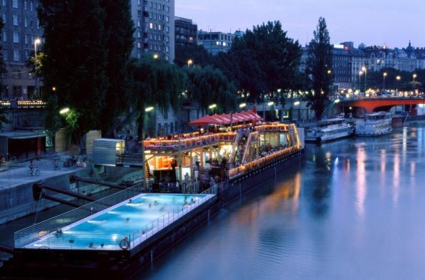 Das Badeschiff (fotó: Wien Tourismus/Manfred Horvath)