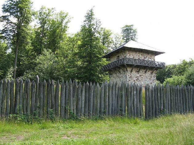 Rekonstruált római határvédelmi szakasz