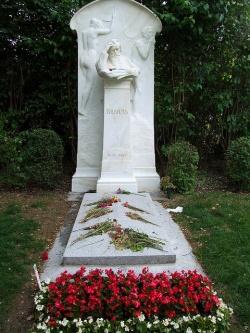 Brahms sírja a bécsi temetőben