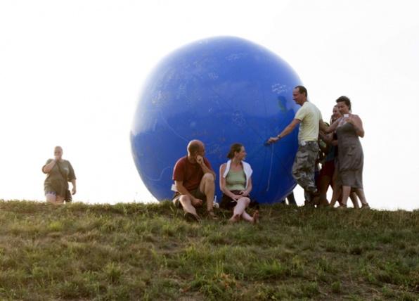 Labdánk a Föld - Katkó Tamás felvétele