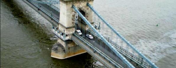 Pillantás a hídra
