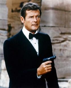 Roger Moore James Bond szerepében