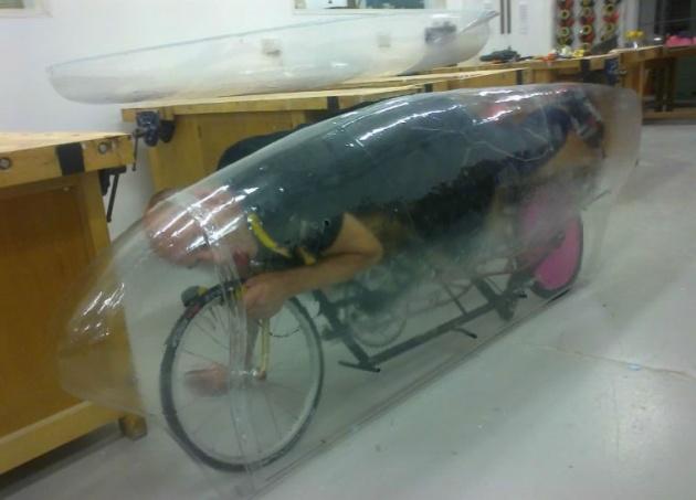 Graem Obree Beastie nevű kerékpárjával