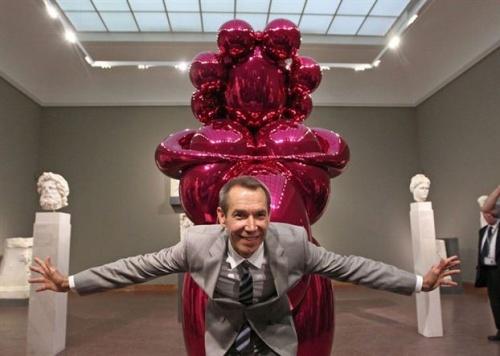 Cicciolina egy évig Jeff Koons feleségeként szerepelt a művész kétes értékű alkotásain
