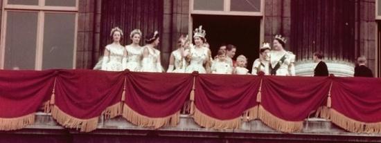 A királynő koronával