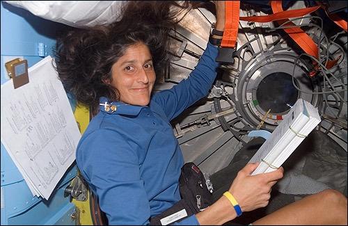 A Nemzetközi Űrállomás jelenlegi, 33. missziójának amerikai parancsnoka, Sunita Williams