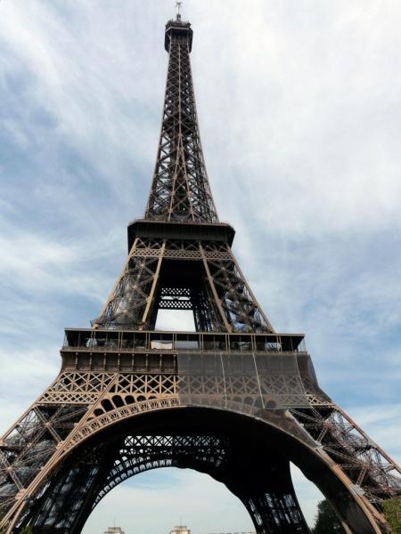 A párizsi Eiffel-torony: 550 milliárd