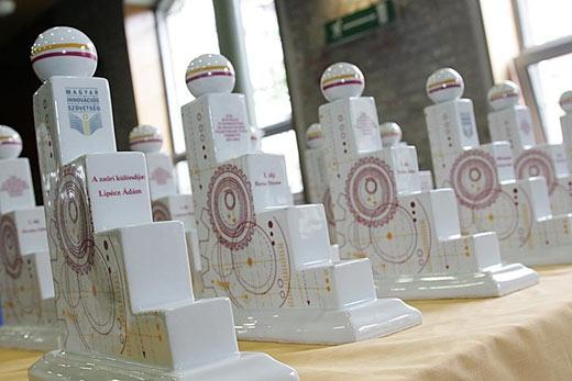 Az elnyerhető díjak (Fotó: Innoportál.hu)