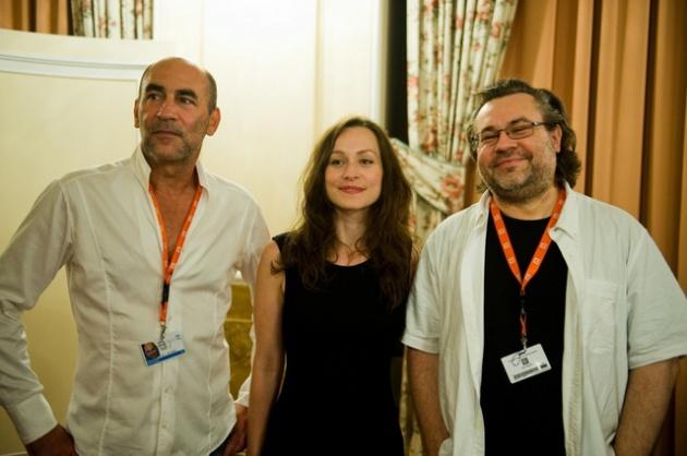 Kulka János, Hámori Gabriella és Bergendy Péter a Karlovy Vary filmfesztiválon júliusban