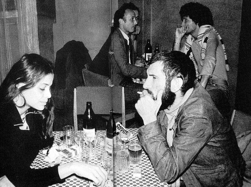Petri György egy pesti presszóban, 1973 (Fotó: mek.oszk.hu)