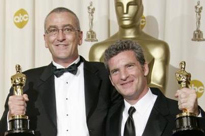 Mike Hopkins és Ethan Van Der Ryn az Oscar gálán