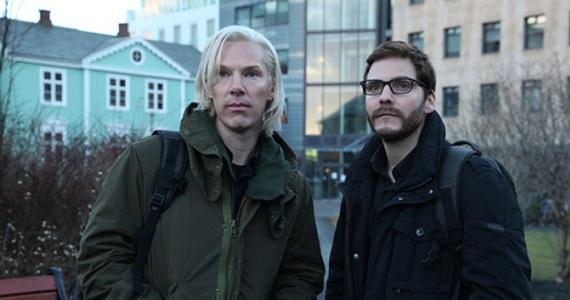Benedict Cumberbatch és David Bruhl a film forgatásán